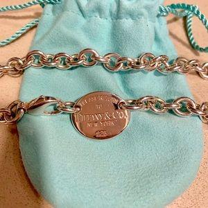 Tiffany & Co. Return to Tiffany's necklace